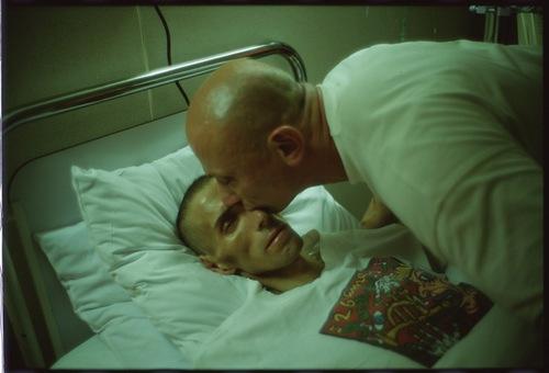 Gotscho mentre bacia Gilles, Parigi 1993.