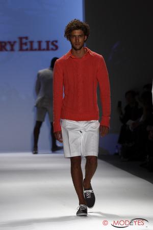perry-ellis-ss2011-7
