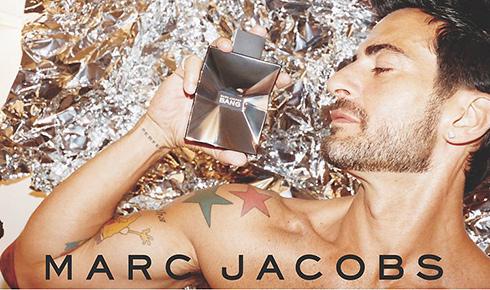 Marc Jacobs in una recente immagine pubblicitaria
